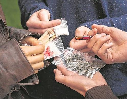Al investigar un homicidio encontraron expendio de sustancias psicoactivas