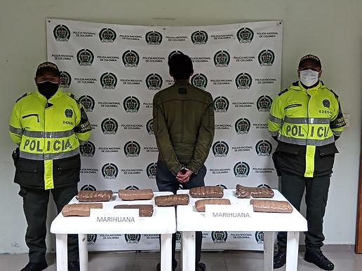 900 dosis de marihuana salieron de circulación