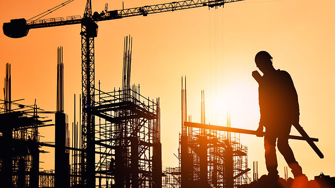 Las autoridades deben pensar en programas para empresas, en particular, para los sectores de la construcción y obras civiles