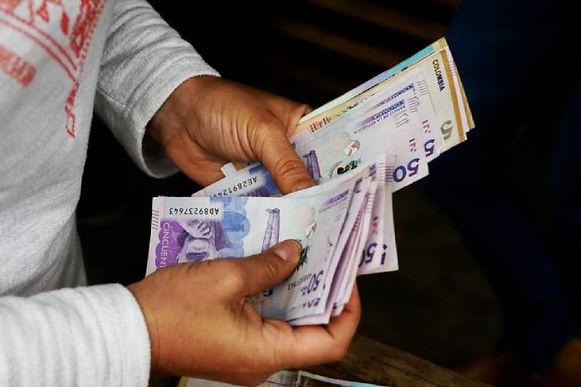 Empieza el rifirrafe por el aumento del salario mínimo para el próximo año