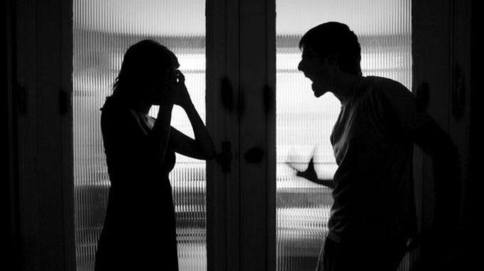 Fiscalía imputó por violencia intrafamiliar a un hombre que, al parecer, intentó ahogar a su compañera sentimental