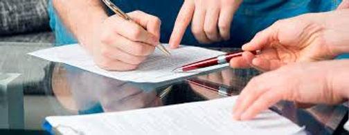 Demanda contra el departamento por unos contratos