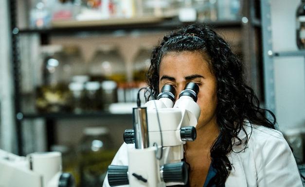 Poca participación de mujeres en las investigaciones colombianas