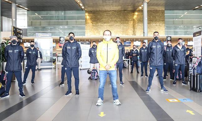 111 deportistas viajaron en el 'Vuelo del Orgullo Colombiano'