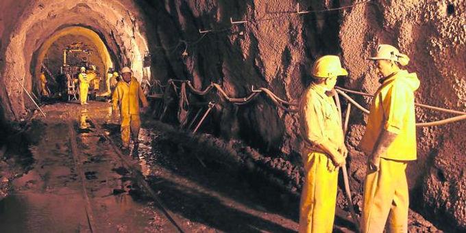 160 mil pesos para cada minero reconocido