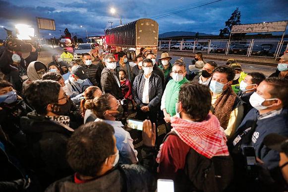 Gobernador se viene reuniendo con los manifestantes