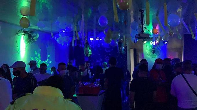 Les 'aguaron' la fiesta clandestina en Oicatá