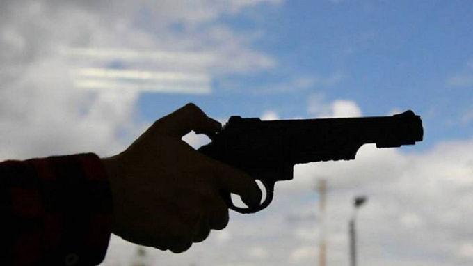 Judicializado hombre por presunta amenaza con arma de fuego a su hija
