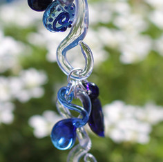 GLASS CHARM CHAIN BLUE