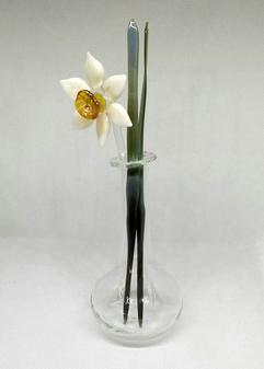 Glass daffodil
