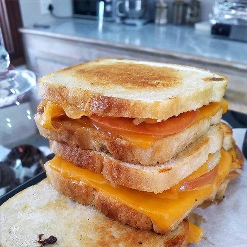 Cheddar, Tomato,Onion Chutney Braai-Brooidjie