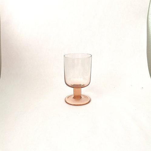 Short stem Wine glass in Peach. Rental