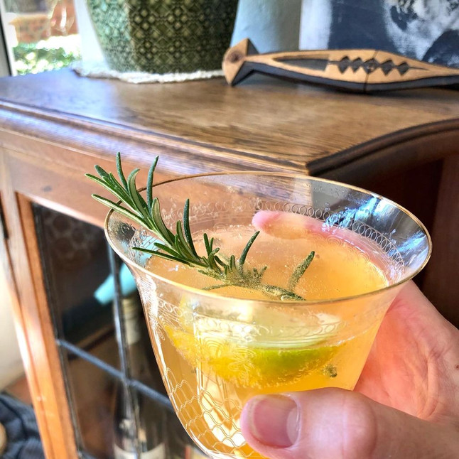 Naartjie-Paloma cocktail with Champagne 🥂