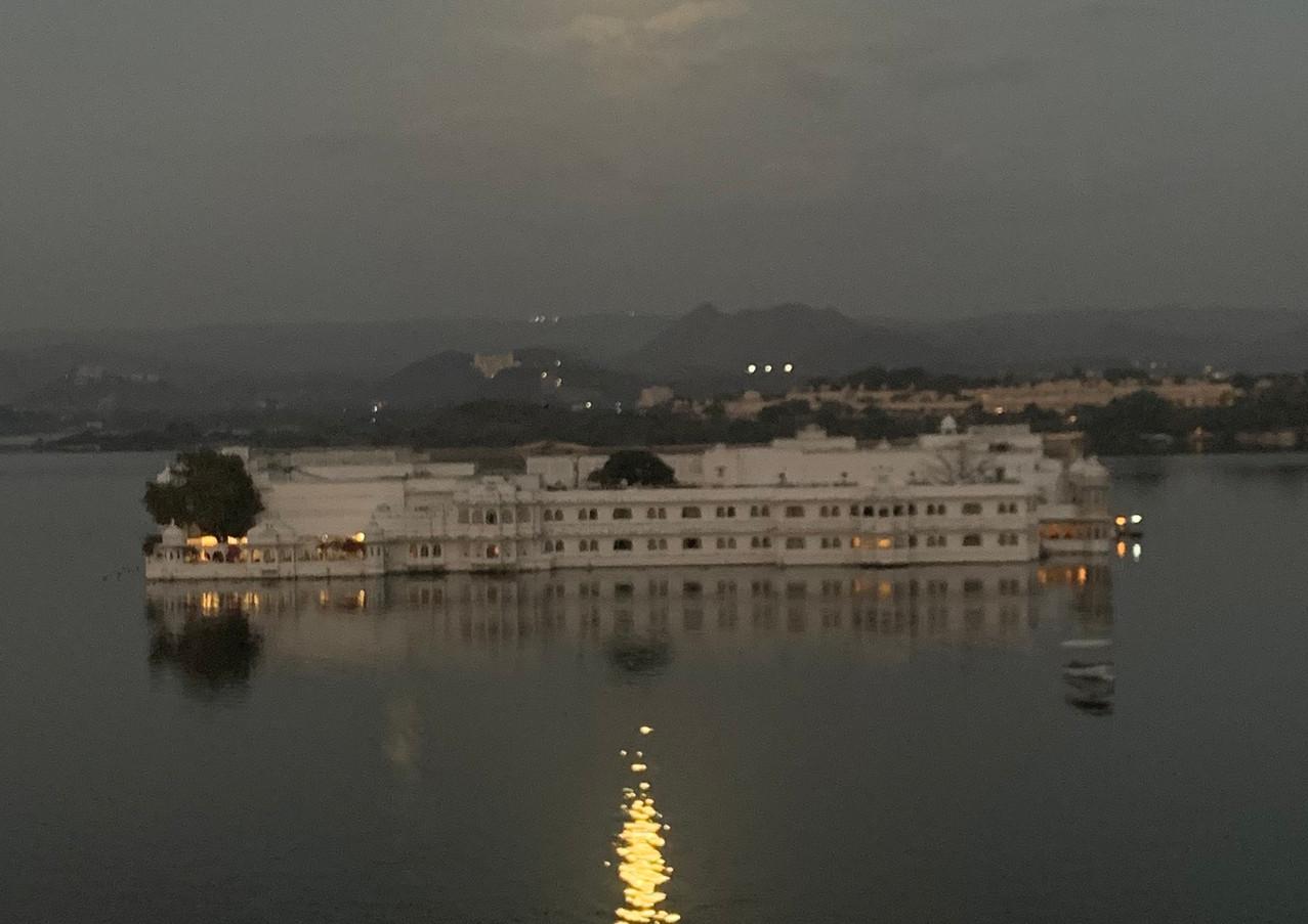 Sunrise Udaipur Taj Lake Palace.jpg