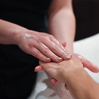 Cinnamon and Clove Seasonal Massage