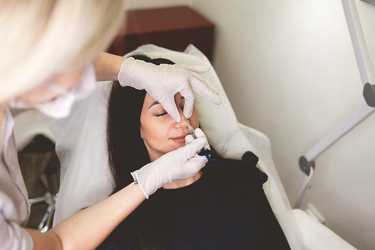 woman-make-injection-beauty-nose.jpg