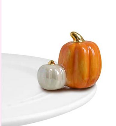 pumpkin spice (two pumpkins)