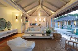 Livingroom-3.jpg