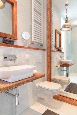 Guest_bathroom-3.jpg