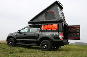 Alu-Cab-Canopy-Camper-Black-03.jpg