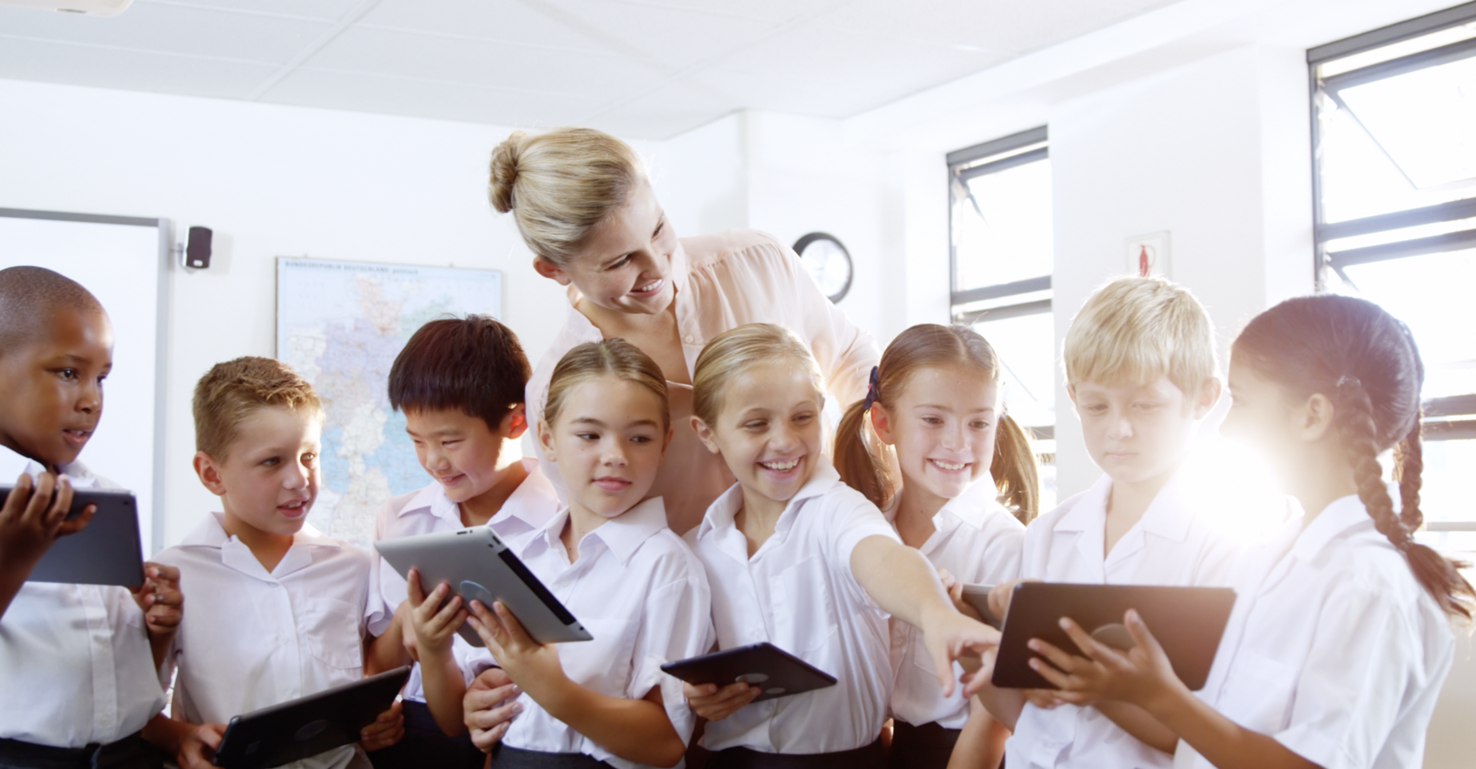 Students and teachers using LT™