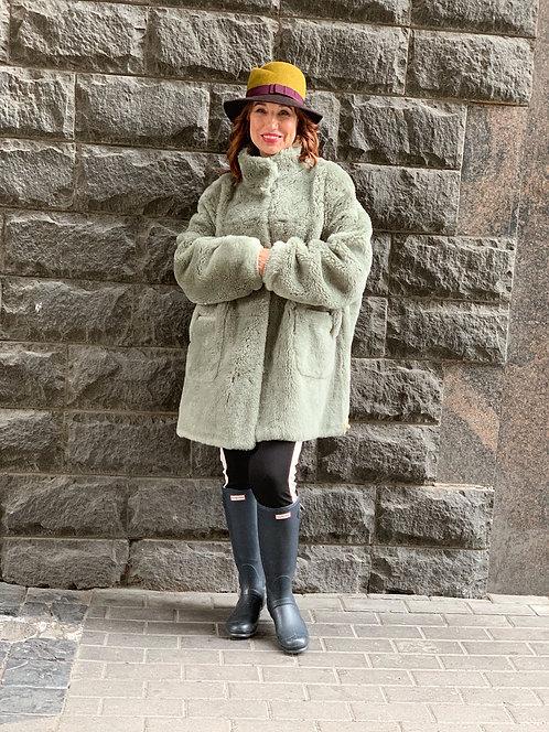Пальто цвета олива и бежевый М05