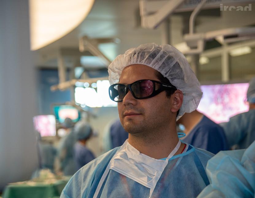 Cirugia laparoscopica 3D 1.jpg