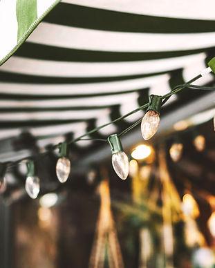 Markise und Weihnachtsbeleuchtung