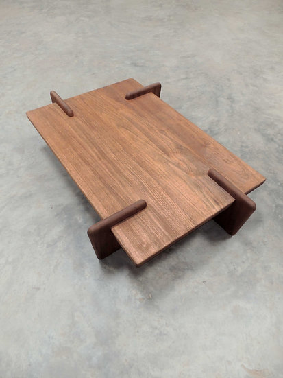 X+L 01 Coffee Table