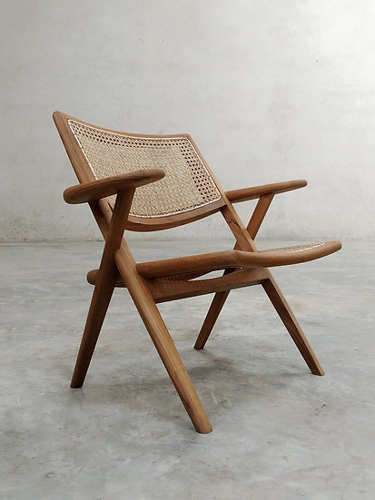 Muṅgāru Easy Armchair