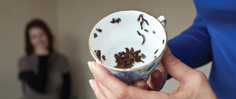 Tea Leaf reading 2 a.jpg