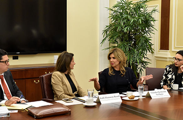 Busca Gobernadora Pavlovich más inversiones y mejor coordinación en cruces fronterizos
