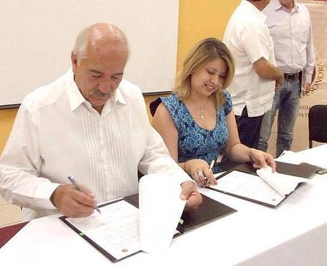 FIRMAN CONVENIO DE COLABORACIÓN CLÚSTER MINERO DE SONORA Y UES.