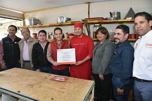 Inaugura Maloro Acosta El Tanuchi, empresa de estudiantes foráneos en Hermosillo.