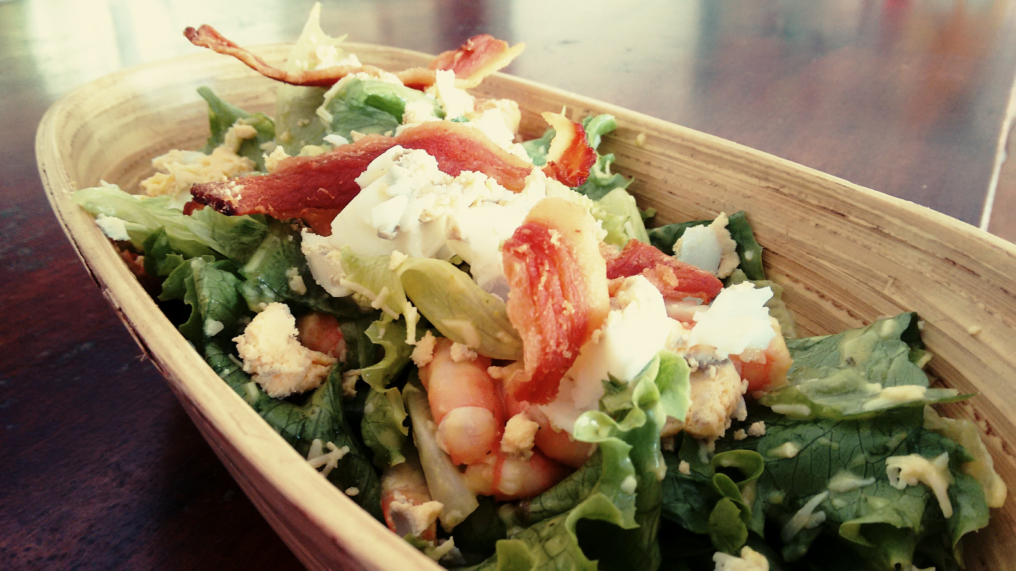 Prawn & bacon salad