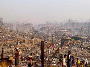 'Devastating' fire at Rohingya camp in Bangladesh kills 15, leaves 400 missing - UN