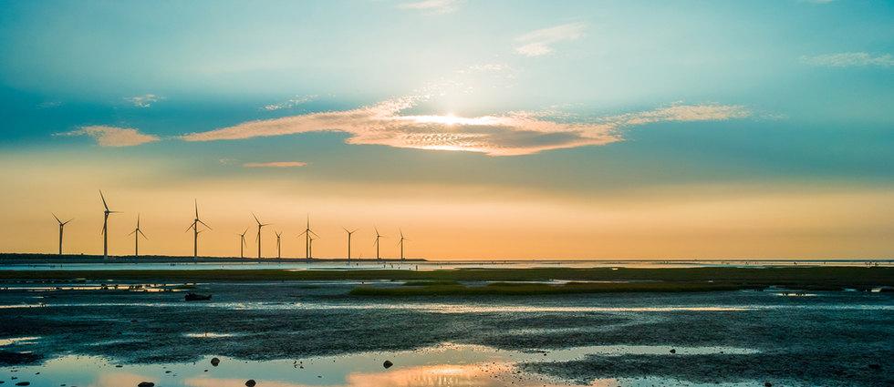 Sillouette da turbina de vento