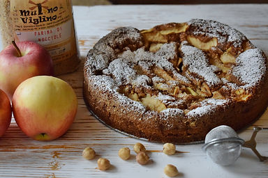 torta di mele con farina di nocciole