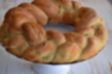 treccia di pane intera tonda