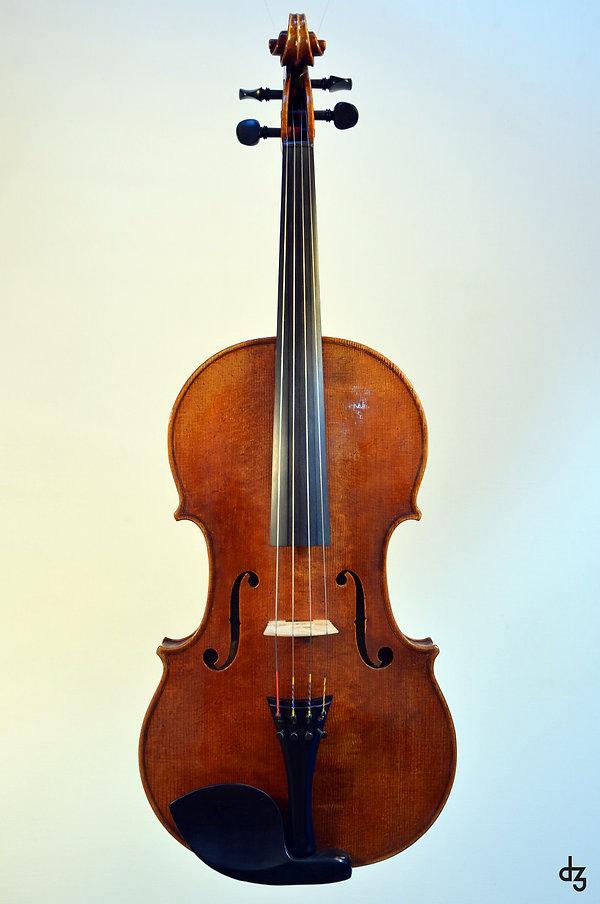 2 Viola Amati Vorderansicht.jpg