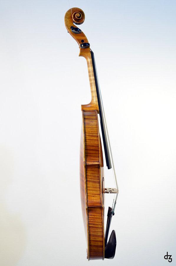 4 Geige Guarneri 3 Seitenansicht.jpg
