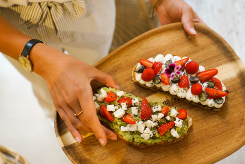 Olla poké tartines avocado toast sexy toast
