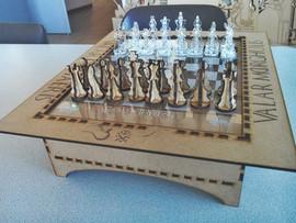 לוח שחמט עם חיילים.jpg