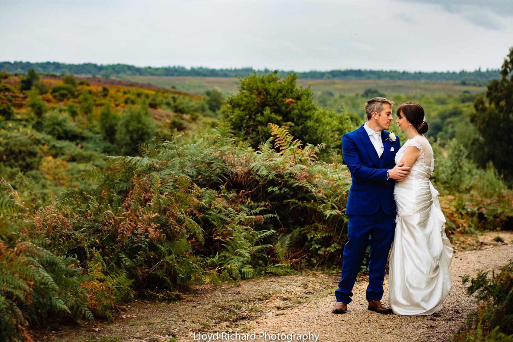 wedding photos taken at Moorhill House Hotel wedding new forest wedding