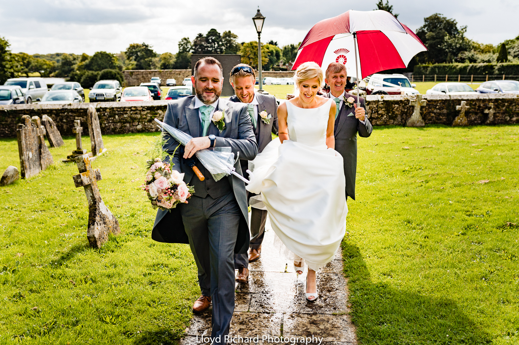 Bride walking to Beaulieu Abbey Domus