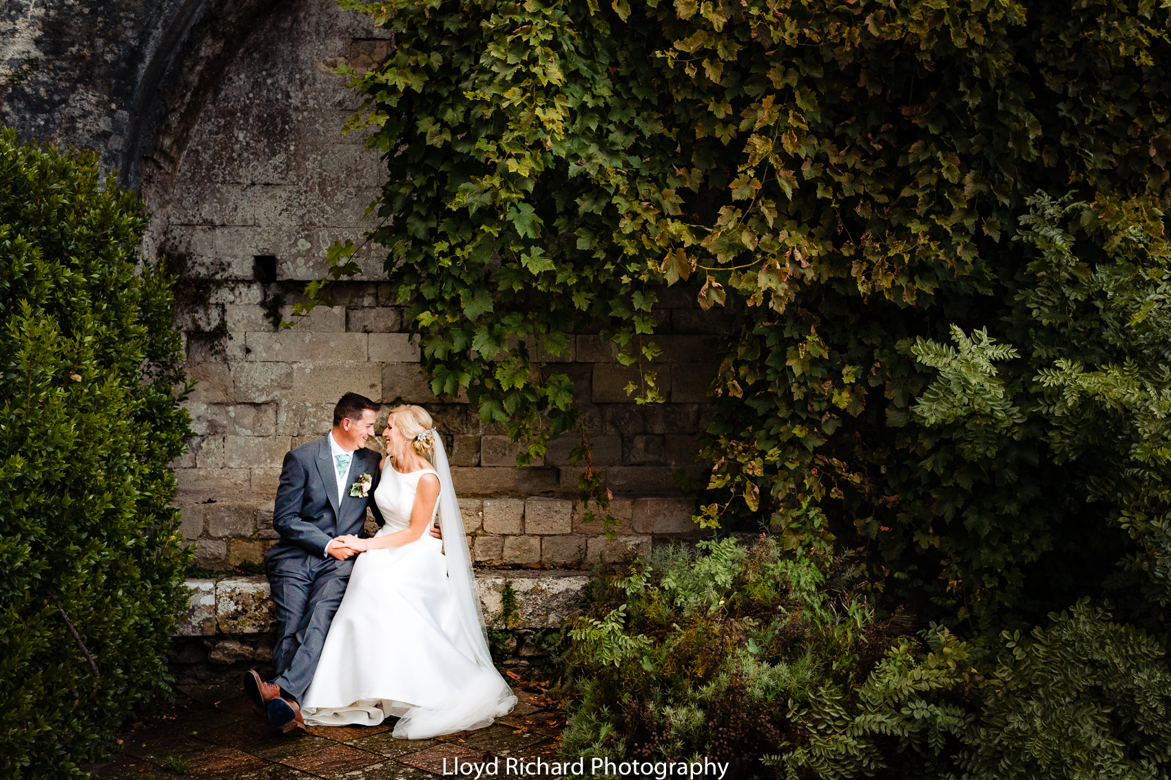 wedding portraits Beaulieu Abbey Domus