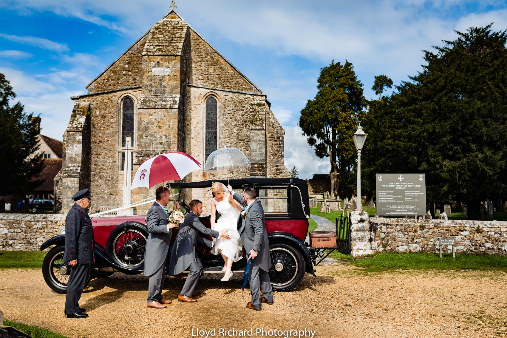 Bride arriving at Beaulieu Abbey Domus