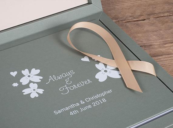 adore-book-cc-03.jpg