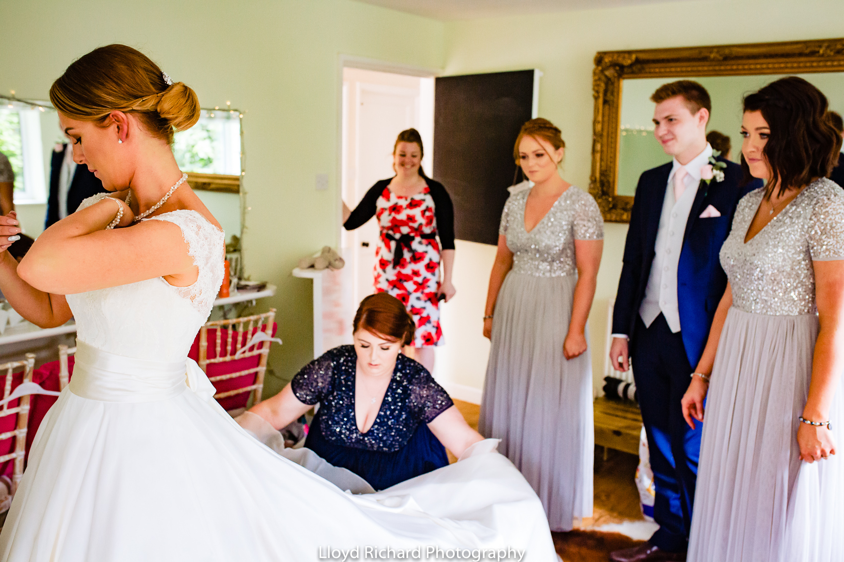 bridal party getting ready at Pitt Hall Barn