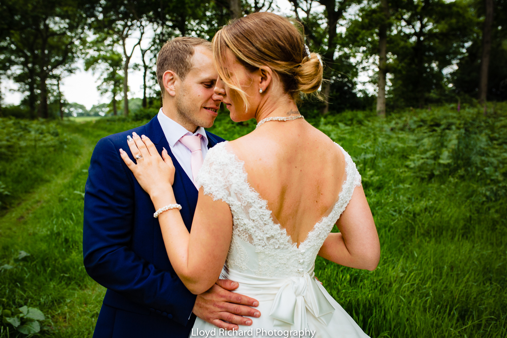 wedding photos at Pitt Hall Barn